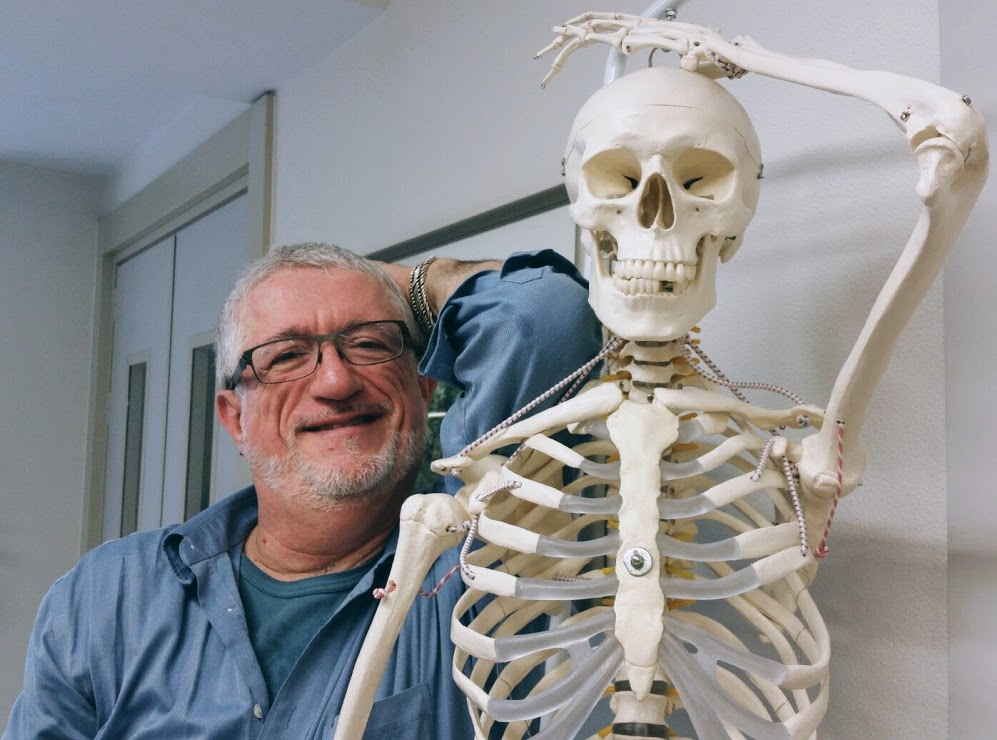 larry-skeleton